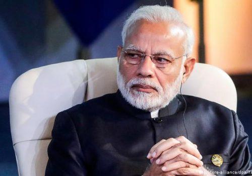भारतीय प्रधानमन्त्री मोदीले समय नदिएपछि स्वदेश फर्कँदै परराष्ट्रमन्त्री ज्ञवाली