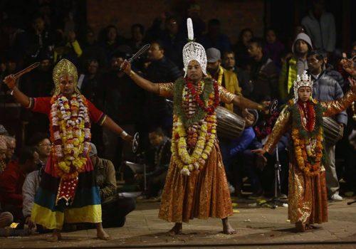 कार्तिक नृत्यमा १८ बर्षमुनिका र ६० वर्षमाथिका लाई संलग्न नगराईने