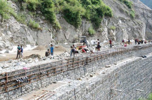 काठमाडौं–तराई मधेस द्रुतमार्ग निर्माण समयसीमाभित्रै सकिन्छ : सेना