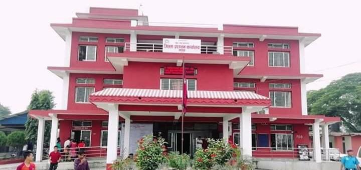 जिल्ला प्रशासन कार्यालय झापामा नागरिकता लिनेको भीड