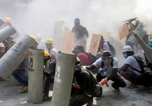 म्यान्मार सैन्य शासन: दमन जारी, बगो सहरमा सेनाले गोली चलाउँदा 'दर्जनौँ मानिसको मृत्यु'
