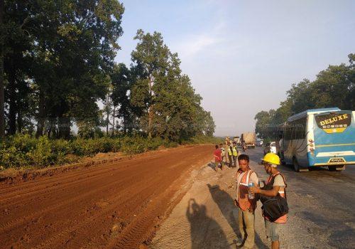 नारायणगढ–बुटवल सडक विस्तार सुस्त