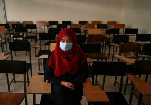 काबुलमा महिलालाई अध्ययन अध्यापनका लागि प्रतिवन्ध लगाएपछि क्यापस सुनसान