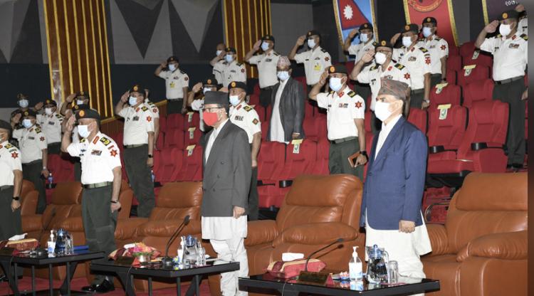 रक्षामन्त्री डा रिजालद्वारा सैनिक मुख्यालयको निरीक्षण