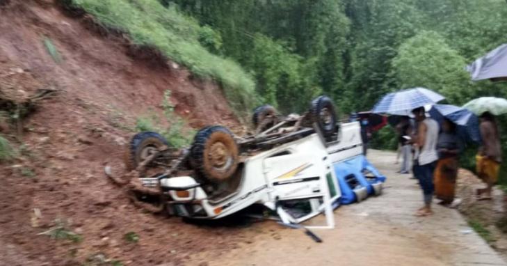 पोखराबाट घान्द्रुक जाँदै गरेको जीप दुर्घटना